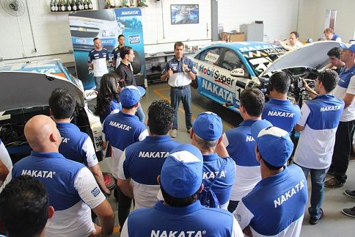 Nakata promove 2º encontro de reparadores e lojistas na oficina do piloto Nonô Figueiredo