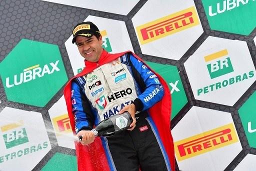 Nonô Figueiredo, piloto patrocinado pela Nakata, vence no Campeonato Brasileiro de Marcas em Tarumã/RS