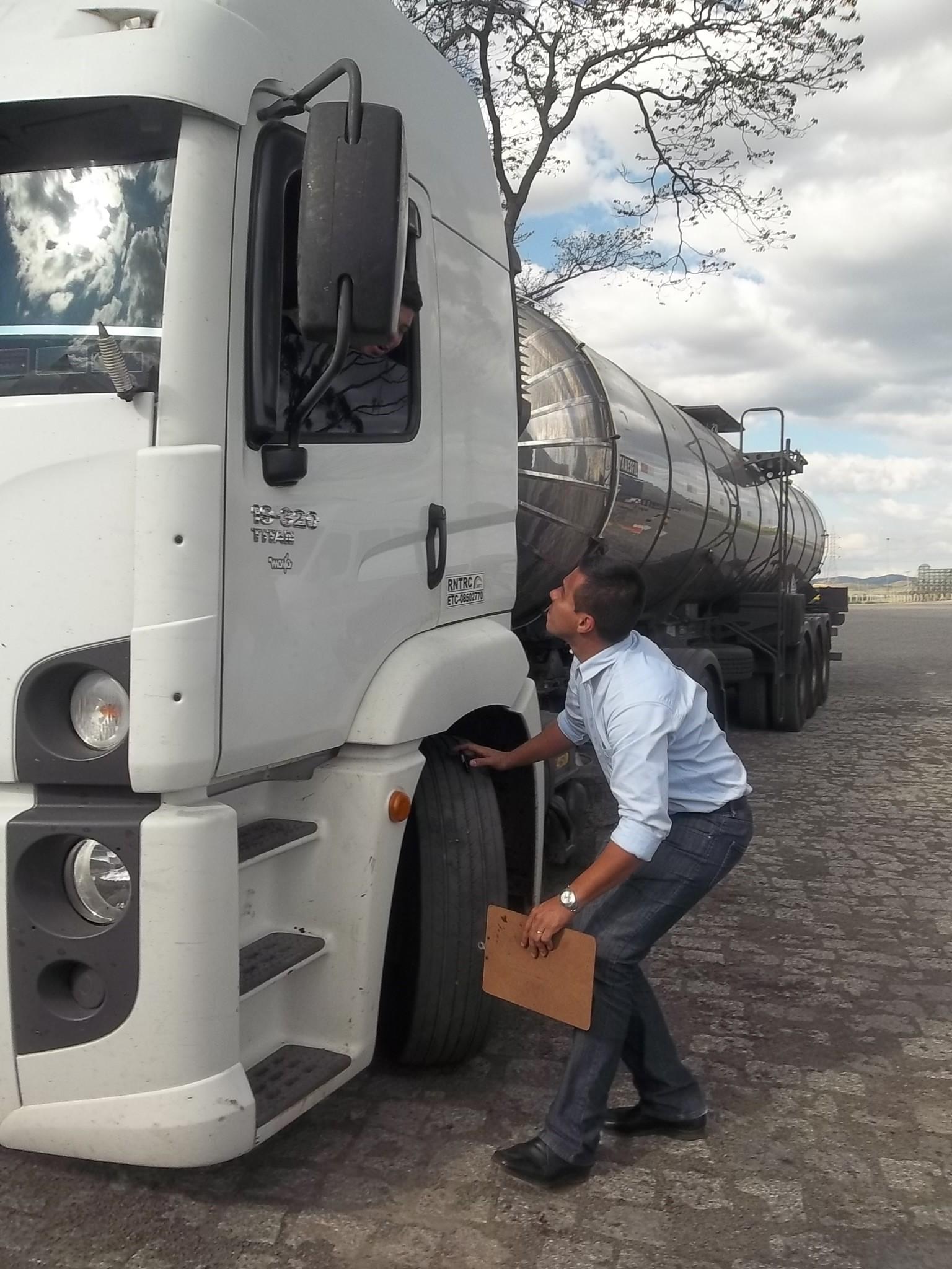Cuidados que ajudam a manter os componentes de suspensão e direção  da frota de veículos de carga em bom estado
