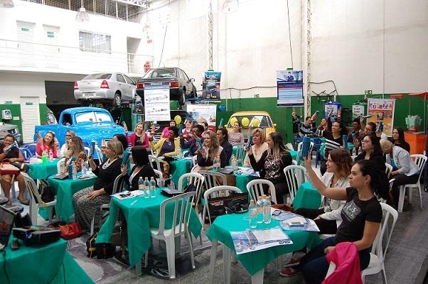 Nakata apoia workshop para mulheres sobre manutenção preventiva e informações sobre a influência feminina no mercado automotivo